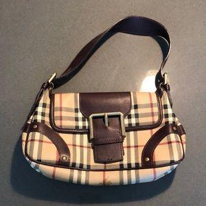 Vintage Burberry buckle purse